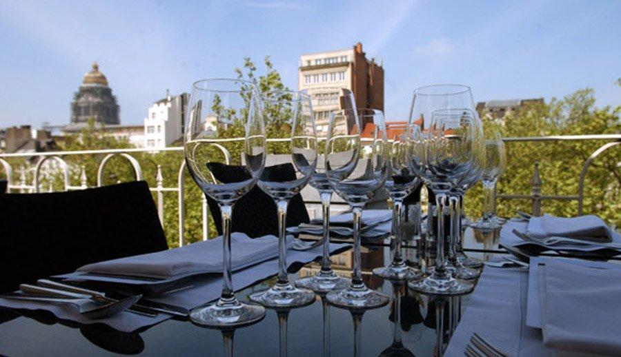 Terrasse Restaurant Bruxelles Cartier Love Online