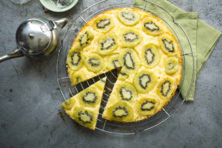 Upside-down cake met kiwi