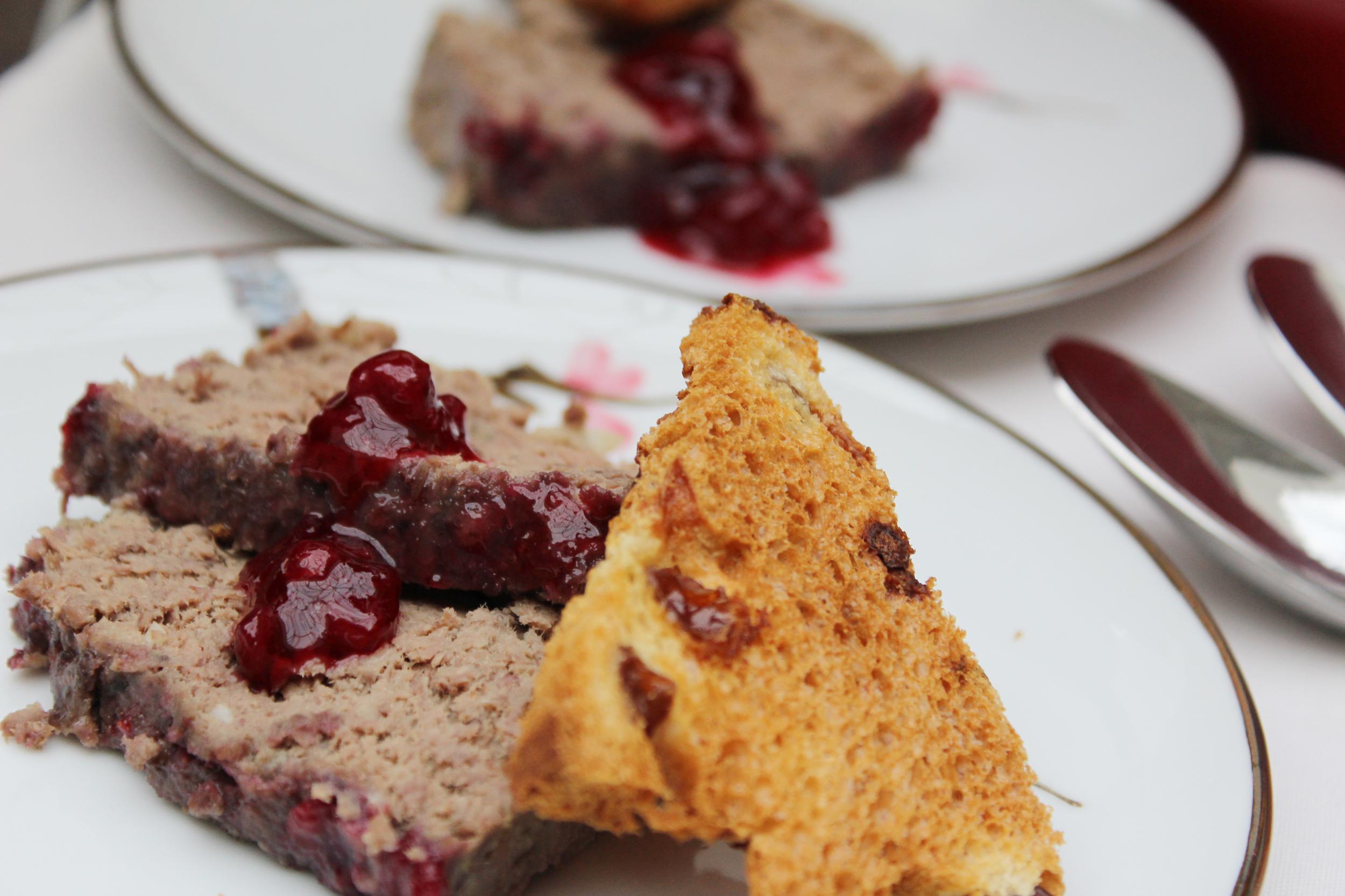 Kerstmenu huisgemaakte pat met uienconfituur inspired by miele - Deco voorgerecht ...